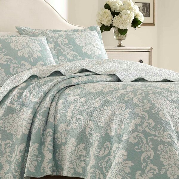 Venetia 100% Cotton Reversible Quilt Set by Laura